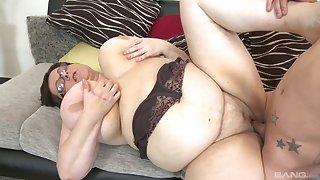 BBW Paula enjoys rough sex with her horny boyfriend after a blowjob