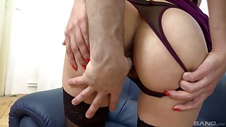 Comme �a MILF in lingerie Gina Monelli licks balls and gets cum in mouth