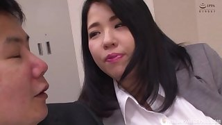 BBW Japanese secretary Yuuki Iori gives a titjob handy a difficulty office