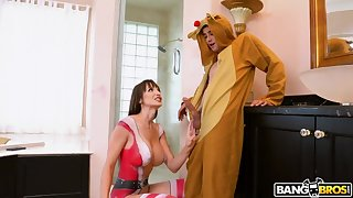 Body painted stepmom Lexi Luna is fucking her stepson spying on her